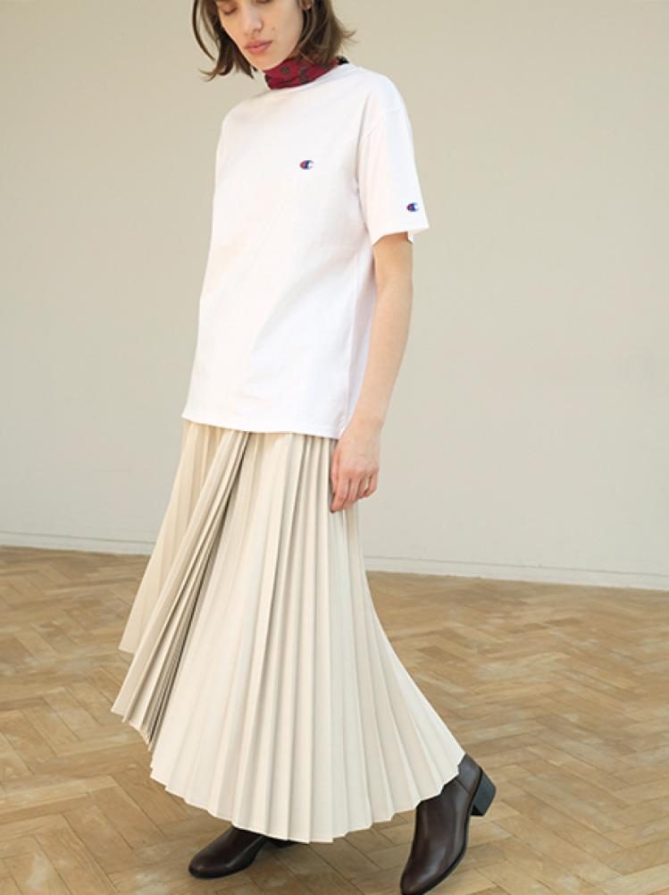 アシメヘムラインプリーツスカート